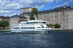 M/S Värmdö (Vaxholm) (fotoeins) Tags: travel water ferry canon eos europa europe ship sweden stockholm kitlens balticsea baltic sverige daytrip archipelago xsi vaxholm waxholmsbolaget eos450d henrylee 450d canonefs1855mmf3556is fotoeins msvärmdö henrylflee fotoeinscom vaxholmsfästningsmuseumab