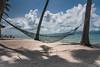 Hängematte am weißen Strand von Koh Phangan (Jutta M. Jenning) Tags: strand thailand sand asien meer wasser schwimmen urlaub natur himmel wolken blau baden landschaft sonne ferien einsamkeit freizeit chillen tourismus azur haengematte wellen stille entspannen entspannung relaxen erholung ruhe tropen sandstrand touristik erholen azurblau auszeit badeurlaub haengematten