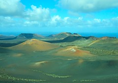 Paisaje volcánico en Parque Nacional Timanfaya, Lanzarote. (eustoquio.molina) Tags: parque landscape lanzarote canarias nacional volcan timanfaya volcánico