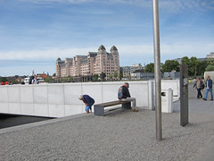 Where to sit? (mittalbum) Tags: summer oslo bench couple sitting tourists where searching oslooperahouse canonpowershots90