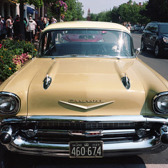 holiday Nettar Chevy (toonboy7) Tags: colour film kodak zeissikon portra400 nettar