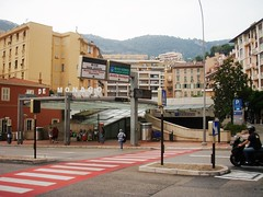 Monaco-France border - Underground Train Station (3D-Stretch) Tags: france station train french concert europe riviera gare border cte monaco paca un cote independence 06 independance nations frontier azur onu sovereign beausoleil dazur alpesmaritimes souverain frontire provencealpesctesdazur sovereingty souvrainet