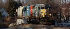 528 Reloaded ('Sconsin Cental) Tags: sd40 emd gtw grand trunk western gp40 grey ghost railroad train diesel l528 de pere wisconsin wi green bay evening snow engineer tits