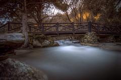 Larga exposición ... (Víctor.M.Chacón) Tags: dmcfz1000 fz1000 víctormchacón largaexposición puente airelibre rio lapedriza