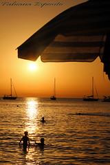 Tramonto Cefalù 01 (fabyana_esposito) Tags: mare tramonto cefalù agosto 2016 sicilia estate barche barca ombrellone silhouette sunset crepuscolo bambini spiaggia