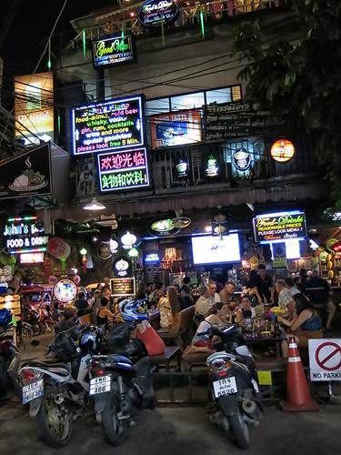 chiang mai night life