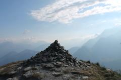Le cairn du sommet. Promenade au Mont Joly. (Stefho74) Tags: france montagne savoie montblanc saintgervais hautesavoie rhonealpes montjoly montdarbois randonneenmontagne stefho74