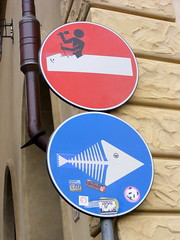 Con fantasia (claudiaschmidt2) Tags: cartello segnale