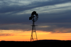 The Mill at Sunset (Alan McIntosh Photography) Tags: sunset windmill silhouette westbrook darling downs light