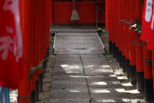 朱色の稲荷神社