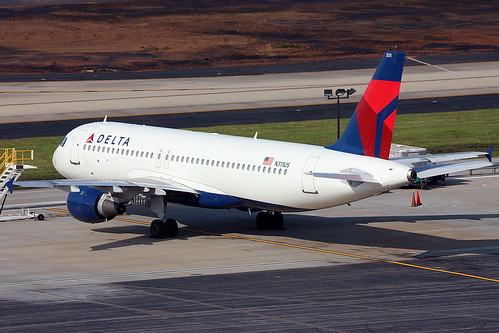 N311US - Delta Airbus A320