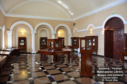 _D8B6036 AM - Jereván - Matenadaran múzeum
