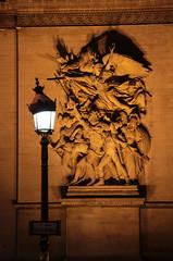 Arc De Triomphe (Toni Kaarttinen) Tags: paris france lamp night nude lights evening frankreich arch frana relief soldiers frankrijk prizs francia arcdetriomphe iledefrance parijs parisian pars  parigi frankrike  pary   francja ranska pariisi  franciaorszg  francio parizo  frana