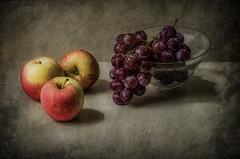 Manzanas y uvas (JACRIS08) Tags: