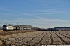 E652 085 - Il ritorno del capannone (MattiaDeambrogio) Tags: treno treni train trains e652 085 borgolavezzaro novi san bovo domo ii trenitalia cargo