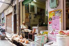 sleeping shop owner (fvfavo) Tags: india owner shop sleeping mandi himachalpradesh indien in