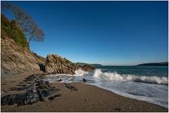 TREBAH BEACH (Barry Haines) Tags: trebah beach cornwall sony a7rii a7r2 12mm voigtlander rocks sea sand trees