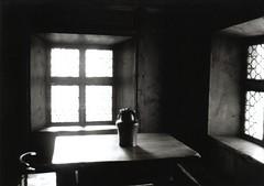Caraffa (the bbp) Tags: windows light shadow blackandwhite bw window austria blackwhite ombra fv5 bn finestra osterreich oneyear top20windows bianconero luce innsbruck biancoenero topphotoblog 123bw 123faves thebbp
