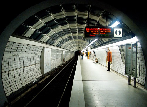 U-Bahn Tunnel Hamburg Hauptbahnhof Nord by datenhamster.org, on Flickr