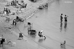 (Hans van Reenen) Tags: people rio nijmegen river leute gente chairs nederland thenetherlands menschen recreation sillas waal mensen zw recreo rivier stoelen erholung recreación stuhlen rekreatie