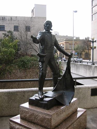 José Toribio Losoya statue