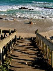 Afwaarts / Descending (Lollie-Pop) Tags: ocean africa sea tag3 taggedout stairs southafrica see rocks tag2 waves tag1 afrika sudafrica naturesfinest bloubergstrand blaauwberg afriquedusud bloubergbeach zuidafrika suidafrika branders rotse
