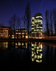 BonSoir (ManImMac) Tags: city urban reflection water architecture night river switzerland wasser nacht zurich stadt zrich fluss zuerich spiegelung letten