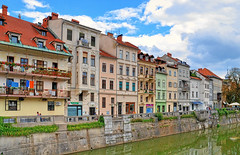 Old Ljubljana quay (majamarko) Tags: old travel houses wow river colorful europe d70 nikond70 100v10f quay 1870mmf3545g slovenia ljubljana slovenija nikkor embankment 1200s ljubljanica f13 majamarko 27mm35mmequiv