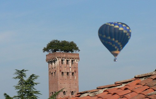 Hot-air Balloon over Lucca