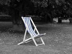 "deck chair<br /><span style=""font-size:0.8em;"">Deckchair feeling lonely and unloved in the Central Park, Bath.</span> • <a style=""font-size:0.8em;"" href=""https://www.flickr.com/photos/87605699@N00/47189062/"" target=""_blank"">View on Flickr</a>"