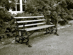 "longleat bench • <a style=""font-size:0.8em;"" href=""http://www.flickr.com/photos/87605699@N00/47189100/"" target=""_blank"">View on Flickr</a>"