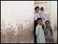 curious (janchan) Tags: school portrait people afghanistan students children classroom escuela scuola blackribbonicon thetaleofaurezu whitetaraproductions