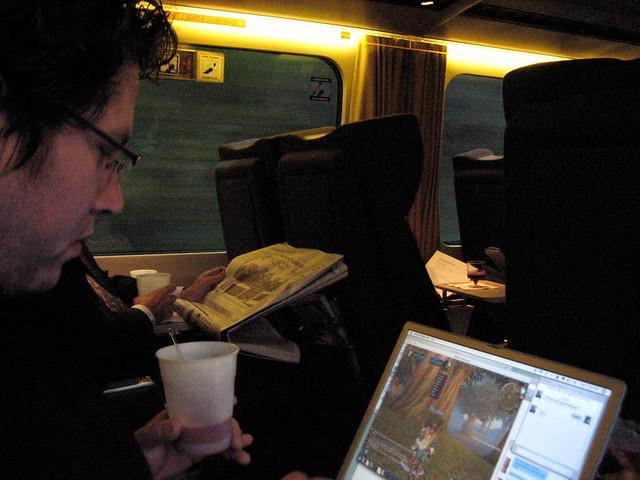 2005 trip travel vacation canada apple train powerbook macintosh quebec montreal rail caesar worldofwarcraft via cocktail gaming wireless firstclass henryfaber