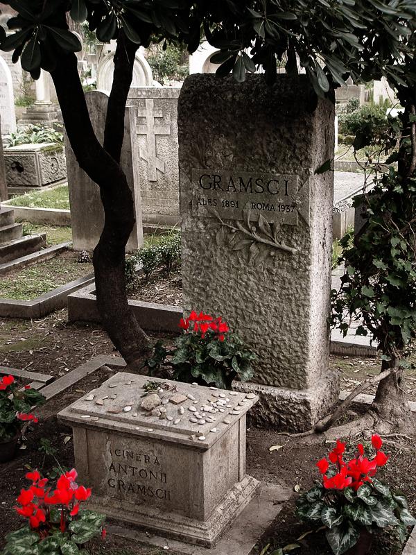 La tomba di Antionio Gramsci a Roma