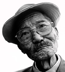 Old Man (Kelly Cheng) Tags: china people bw cafe bravo cafegallery quality yunnan dali tccomp043   brppc07 lpfaces