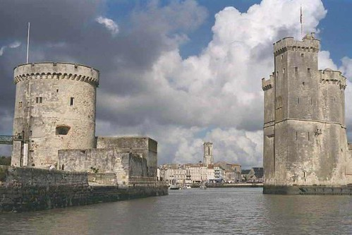 La Rochelle Harbour entrance by AndyRob