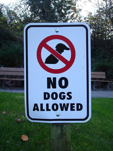 Worst 'No Dogs' Sign Ever