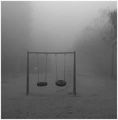 Mañana de niebla III / Ghost playground