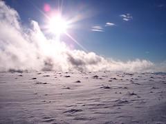 Desert of light & cold (_Marcel_) Tags: travelog france frankreich semnoz winter schnee snow wolken clouds light licht sonne sun