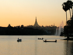kan-daw-gyi at sunset (flappingwings) Tags: sunset lake boats pagoda shwedagon yangon burma myanmar shwedagonpagoda rangoon royallake kandawgyi
