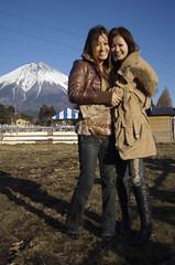 Kana & Reina in front of Fujisan