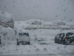 Snoqualmie Pass Lodgings (:: Wendy ::) Tags: desktop winter usa snow background 2006 wa wendy desktopbackground snoqualmiepass frizztext
