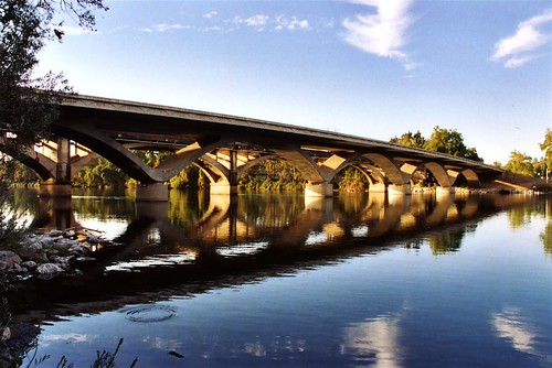 Scramento River Bridges, Redding, CA (by bridgepix)
