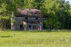Old Abandoned House (nikons4me) Tags: building abandoned overgrown was decay iowa oldhouse weathered once decaying home oncewashome nikond7100 tamronaf28200mmf3856asphericalld