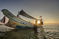 MIA_8013 (yaman ibrahim) Tags: sunset sea man boat fisherman d4 nikond4