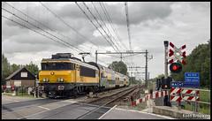20150727 NS 1763 + DDAR 73xx. Woerden Molenvliet (706158) (Koen Brouwer) Tags: station train gare cloudy zug bahnhof juli bewolkt trein 1700 woerden 2015 ddar bijzonder 1763 spoorwegovergang overweg molenvliet keerspoor