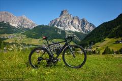 Sassongher SLX (Torsten Frank) Tags: italien mountain bike bicycle sport sony pass canyon alpen fahrrad dolomites sdtirol altoadige southtyrol roadbike gebirge rennrad dolomiten radfahren radsport passocampolongo corvara campolongo sassongher gadertal passstrase ultimatecfslx geislerpuezgruppe sonyrx100iii