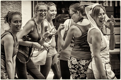 (gpciceri) Tags: girls italy como smile bride dance italia sorriso gurls sposa lecco lagodicomo amiche ragazze caffeina