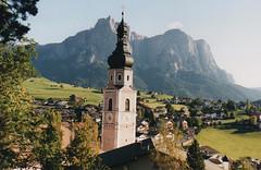 2000 Italy // Wandern auf der Seiser Alm (maerzbecher-Deutschland zu Fuss) Tags: 2000 maerzbecher italien italia italy südtirol seiseralm wandern natur trail wanderweg hiking trekking