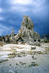 Mono Lake en tufa torens, Californië VS 1992 (wally nelemans) Tags: monolake lake meer tufa californië california vs usa 1992